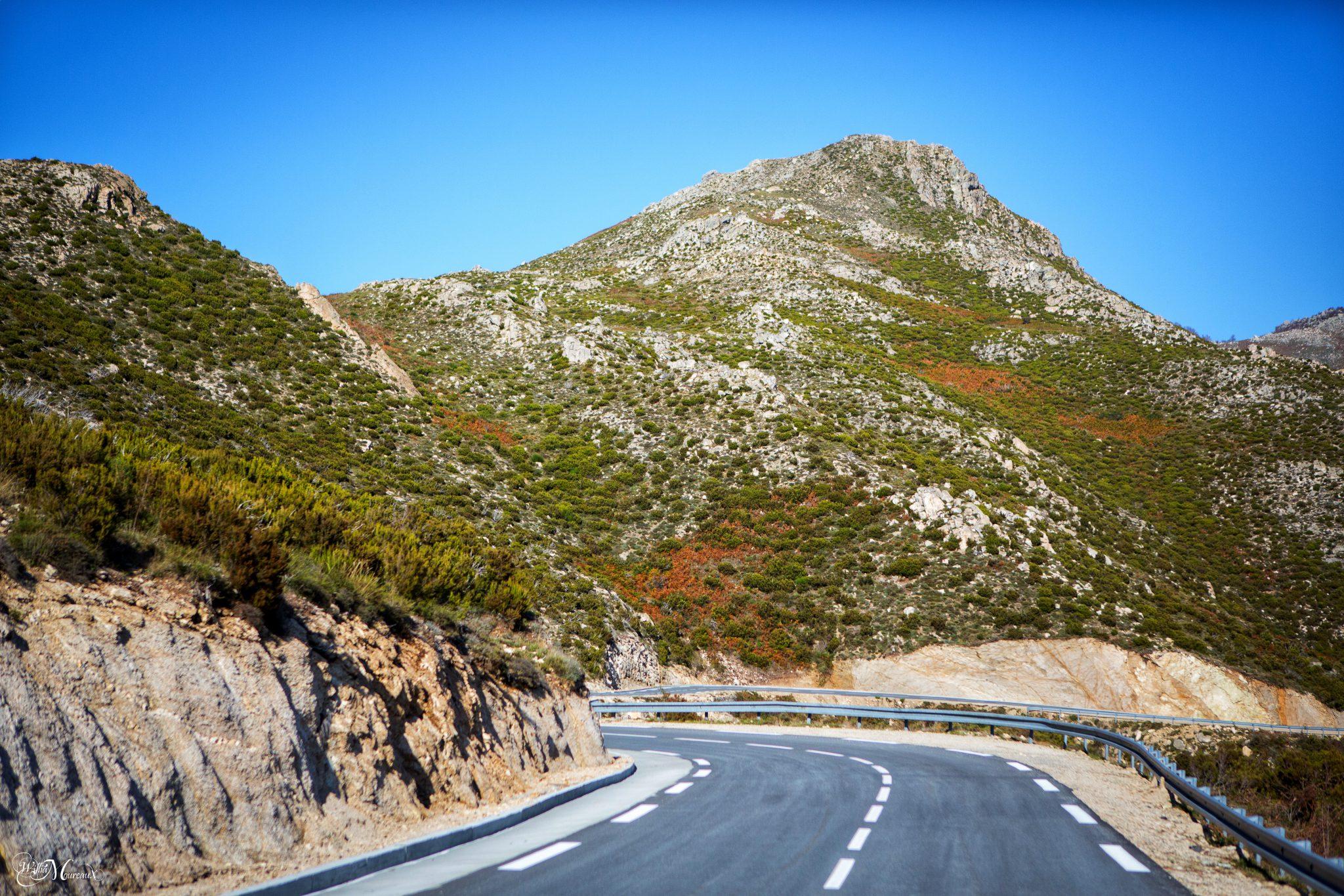 Autotour route des villages perchés