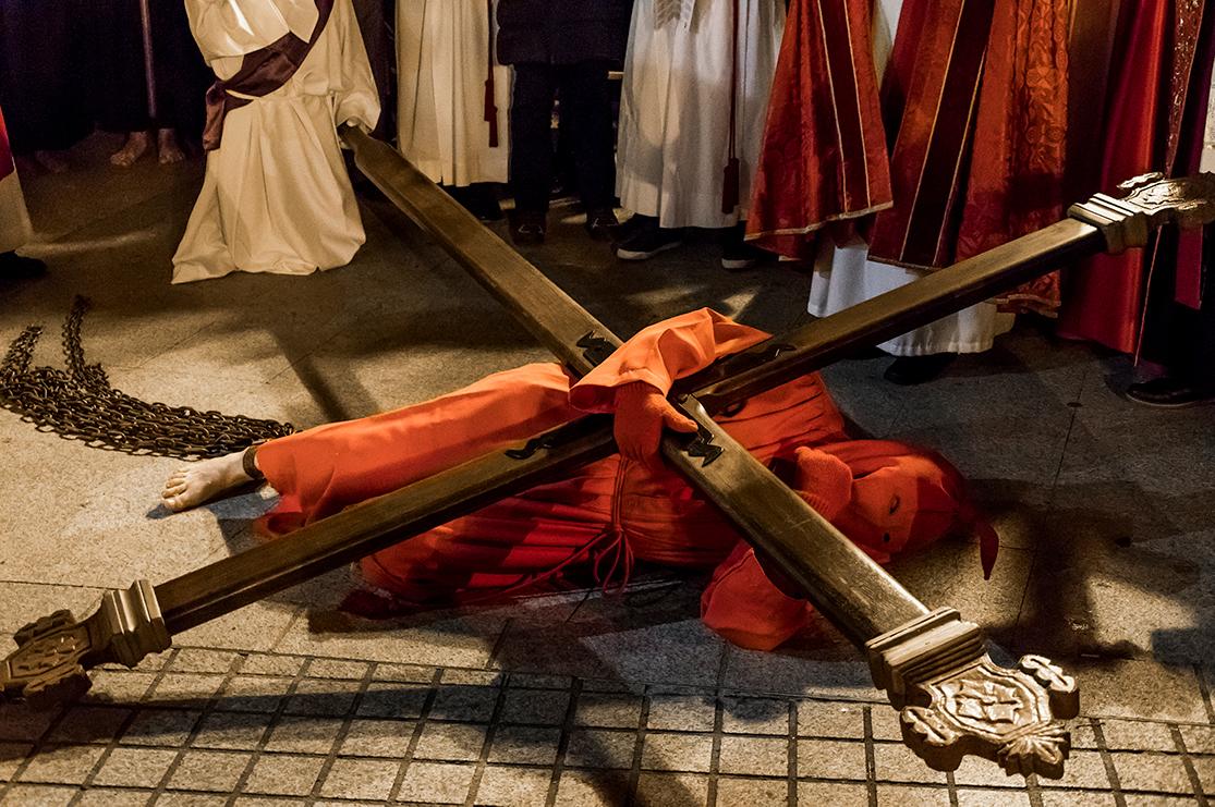 Pénitent procession religieuse u catenacciu à Sartène