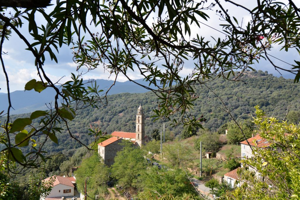 Village authentique corse fozzano