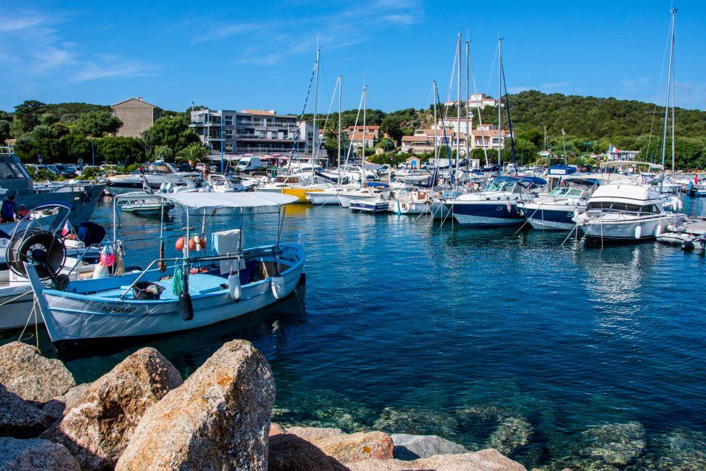 Port de Porto Pollo en corse du sud
