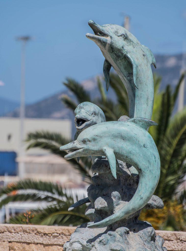 Fontaine des dauphins à Propriano en corse du sud